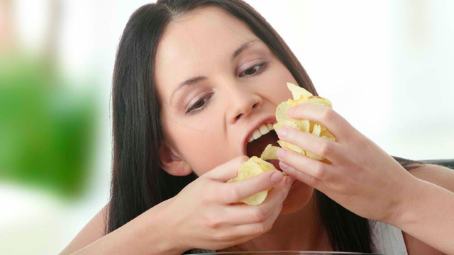 Tips To Tackle Food Cravings With Ease  